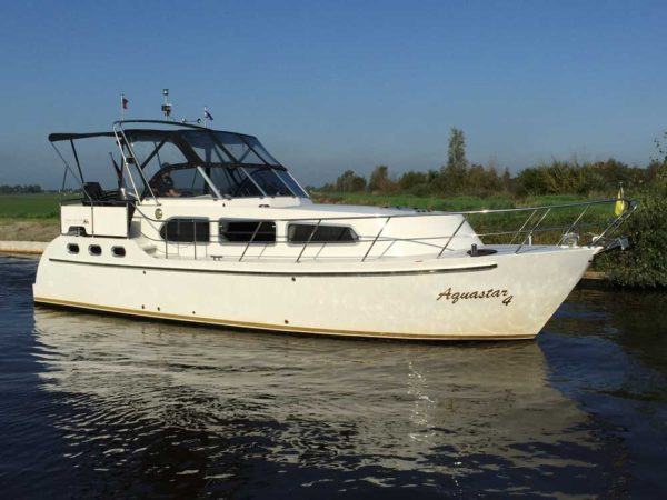aquastar 4 ab heerenveen yachtcharter in holland. Black Bedroom Furniture Sets. Home Design Ideas